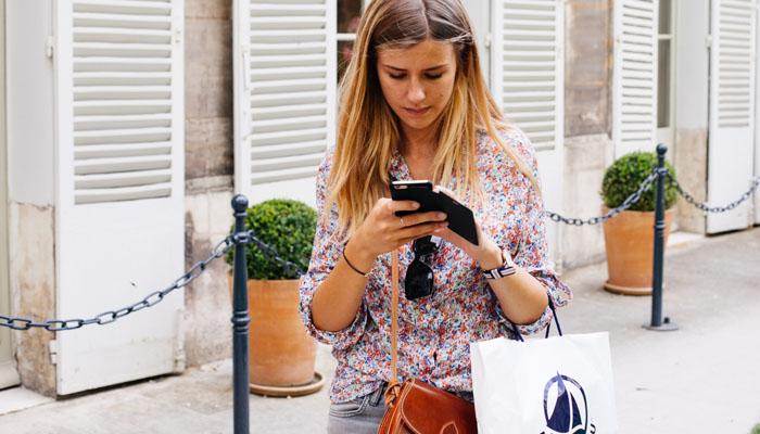 multitasking-texting