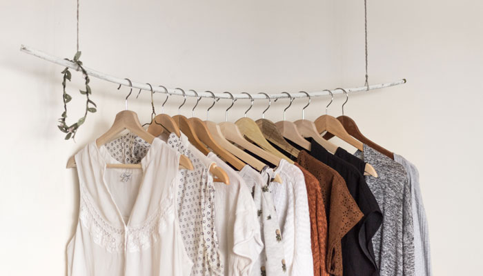 simplify wardrobe